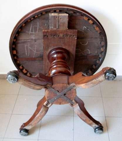 Runder Mitteltisch aus Mahagoni, eingelegt aus dem 19. Jahrhundert
