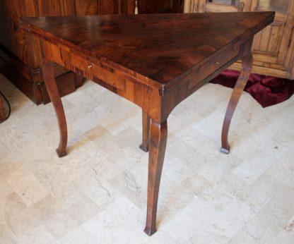 Antiker Palisander-Spieltisch